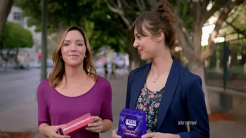 Crest 3D White Whitestrips TV Spot, '3D Strips vs. Whitening Toothpaste' - 4505 commercial airings