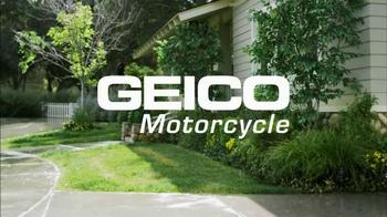 GEICO Motorcycle TV Spot, 'Driveway' - Thumbnail 10