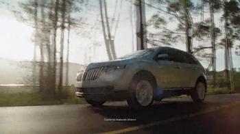 2014 Lincoln MKX TV Spot, 'Summer Invitation' - Thumbnail 5