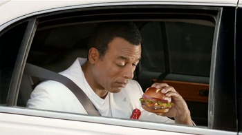 Wendy's Pretzel Bacon Cheeseburger TV Spot Con Jon Secada [Spanish] - Thumbnail 7