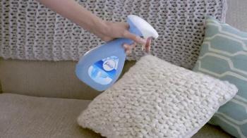 Febreze Fabric Refresher TV Spot, 'Angela's Cat' - Thumbnail 8