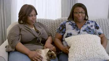 Febreze Fabric Refresher TV Spot, 'Angela's Cat' - Thumbnail 9