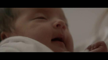 Huggies Little Snugglers TV Spot, 'El Segundo Abrazo'[Spanish] - Thumbnail 9