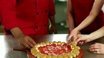 Pizza Hut Cheesy Bites Pizza TV Spot, 'Bites Are Back' - Thumbnail 2