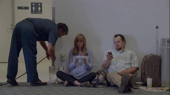 Samsung Galaxy S5 TV Spot, 'Wall Huggers' - 2407 commercial airings