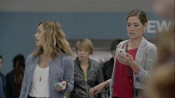Samsung Galaxy S5 TV Spot, 'Wall Huggers' - Thumbnail 5