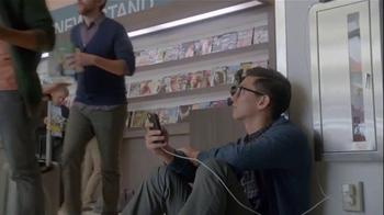 Samsung Galaxy S5 TV Spot, 'Wall Huggers' - Thumbnail 7