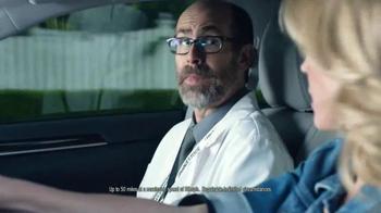 Bridgestone DriveGuard TV Spot Featuring Julie Bowen - Thumbnail 6