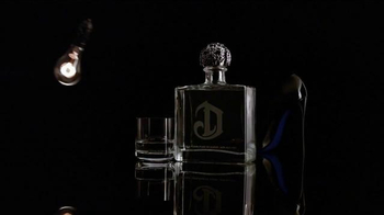 DeLeón Tequila TV Spot, 'Light Bulb' Song by Naomi Scott - Thumbnail 2
