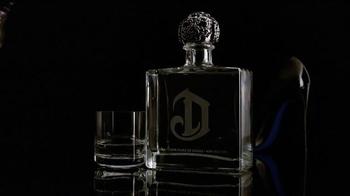 DeLeón Tequila TV Spot, 'Light Bulb' Song by Naomi Scott - Thumbnail 8