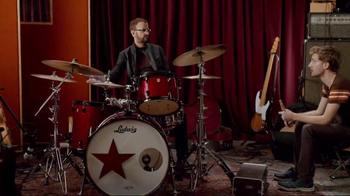 SKECHERS Relaxed Fit TV Spot, 'Rock Out' Featuring Ringo Starr - Thumbnail 5