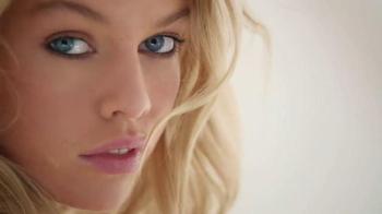Victoria's Secret TV Spot, 'Dream Angel' - Thumbnail 4