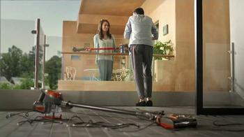 Dyson V6 Cordless Vacuum TV Spot, 'Neighbors' - Thumbnail 9