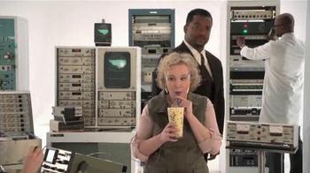 Zaxby's Birthday Cake Milkshake TV Spot, 'Brain Freeze' Ft. Alfonso Ribeiro - Thumbnail 5