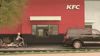 KFC Red Velvet Cake TV Spot, 'Bicicleta' [Spanish] - Thumbnail 1