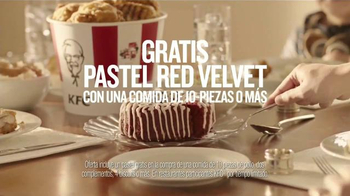 KFC Red Velvet Cake TV Spot, 'Bicicleta' [Spanish] - Thumbnail 10