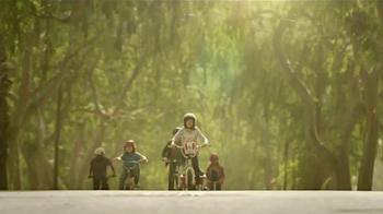KFC Red Velvet Cake TV Spot, 'Bicicleta' [Spanish] - Thumbnail 4