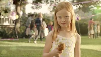 KFC Red Velvet Cake TV Spot, 'Bicicleta' [Spanish] - Thumbnail 5