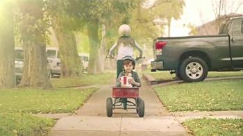 KFC Red Velvet Cake TV Spot, 'Bicicleta' [Spanish] - Thumbnail 6