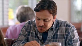 Denny's Sriracha Spicy Super Chick'n TV Spot, 'Picante' [Spanish - Thumbnail 7