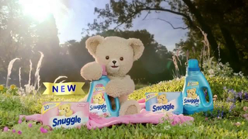 Snuggle Fresh Spring Flowers TV Spot, 'Family Snuggle' - Thumbnail 7