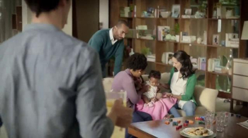 Snuggle Fresh Spring Flowers TV Spot, 'Family Snuggle' - Thumbnail 6