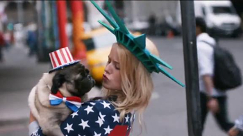 Chase Freedom TV Spot, 'Dog Costumes' Song by Vampire Weekend - Thumbnail 3