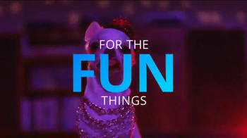 Chase Freedom TV Spot, 'Dog Costumes' Song by Vampire Weekend - Thumbnail 8