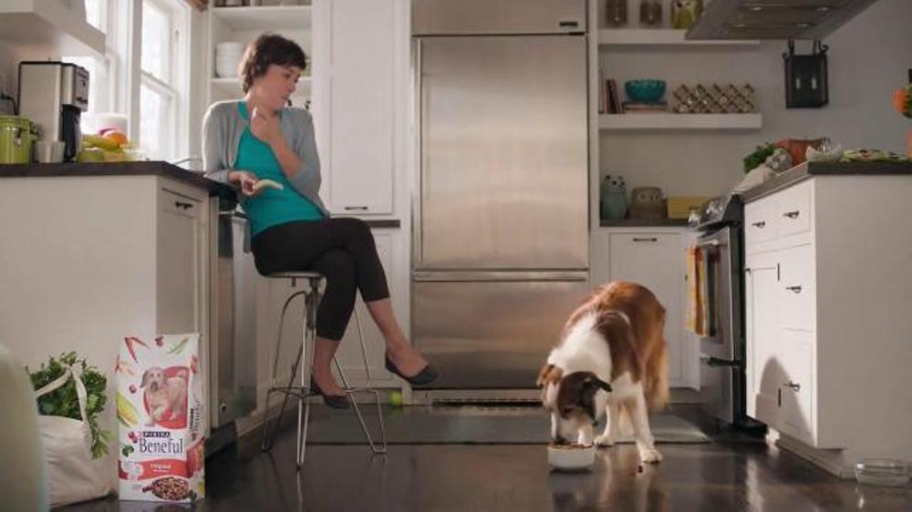 Purina Beneful Original TV Commercial, 'Cena para Dos'