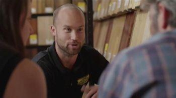 Lumber Liquidators Spring Flooring Season TV Spot, 'Handscraped Bamboo' - Thumbnail 9