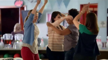 Weight Watchers TV Spot, 'Bowling' - Thumbnail 9