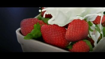 Häagen-Dazs Fruit Collection TV Spot, 'Peaches and Strawberries'