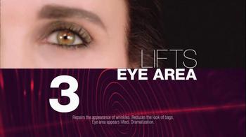 L'Oreal Revitalift Triple Power Eye TV Spot Featuring Andie MacDowell - Thumbnail 7