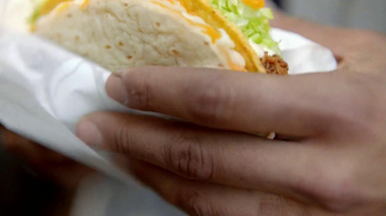 Taco Bell Cheesy Gordita Crunch TV Spot, 'Crunchy, Chewy, Cheesey' - Thumbnail 1