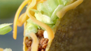 Taco Bell Cheesy Gordita Crunch TV Spot, 'Crunchy, Chewy, Cheesey' - Thumbnail 6