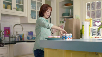Yoplait Light TV Spot, 'Swapportunity: Cupcakes' - Thumbnail 2