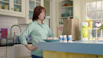 Yoplait Light TV Spot, 'Swapportunity: Cupcakes' - Thumbnail 4