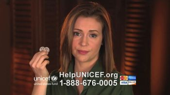 UNICEF TV Spot, 'What Would You Do?' Featuring Alyssa Milano - Thumbnail 6