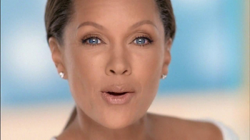 Clear Eyes TV Spot, Featuring Vanessa Williams - Thumbnail 4