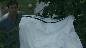 Gildan TV Spot, 'Underwear in Tree'