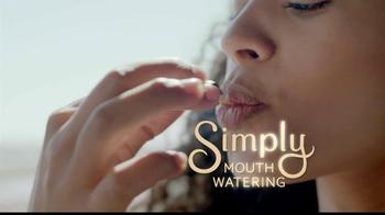 Hershey's Simple Pleasures TV Spot, '30% Less Fat' - Thumbnail 7