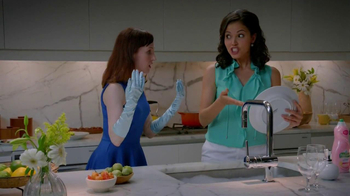 Palmolive Soft Touch TV Spot, 'Hand Models' - Thumbnail 3