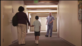 The Safeway Foundation TV Spot, 'Fighting Cancer' - Thumbnail 8
