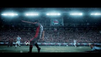 Coors Light TV Spot, 'La Cancha' [Spanish] - Thumbnail 8