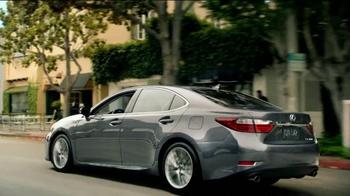 2013 Lexus ES TV Spot, 'More is More' - Thumbnail 6