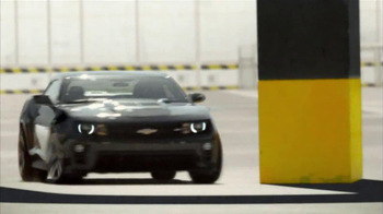 Chevrolet Camaro ZL1 TV Spot, 'Magnets' - Thumbnail 3