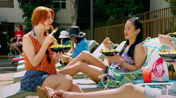 Wendy's Berry Almond Chicken Salad TV Spot - Thumbnail 6