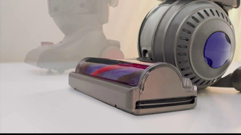 Dyson DC50 TV Spot, 'Little Vacuum, Big Performance' - Thumbnail 3