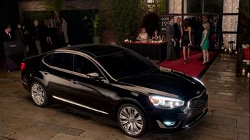 Kia Cadenza TV Spot, 'Impossible to Ignore: Flash' Song by David Bowie - Thumbnail 10