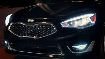 Kia Cadenza TV Spot, 'Impossible to Ignore: Flash' Song by David Bowie - Thumbnail 3